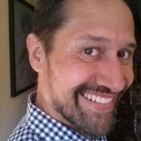 Multi-lingual tour guide Rod Lorenzo